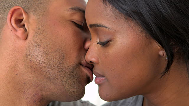 Video: Basic Tips for Kissing